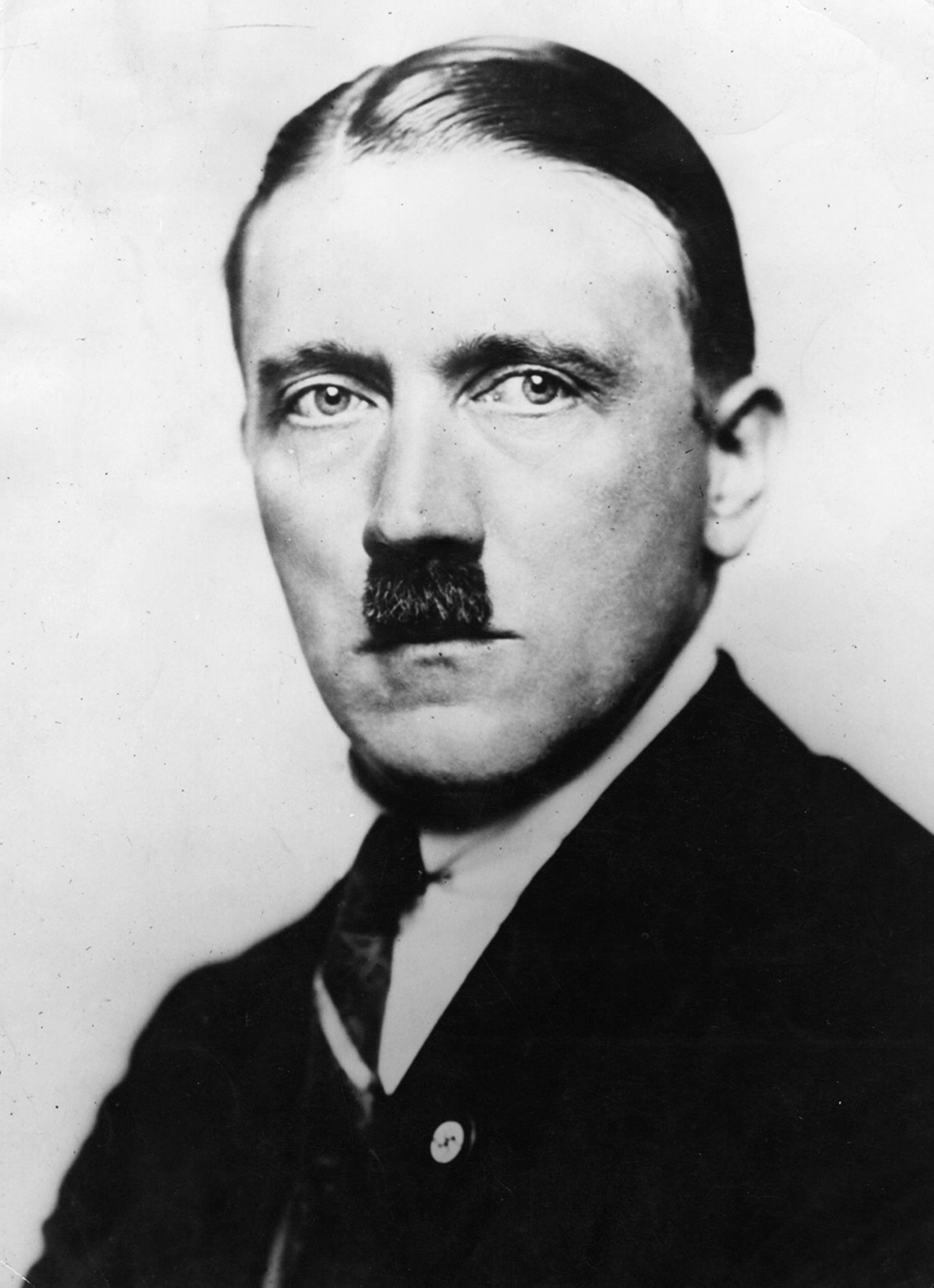 hitler speech style A military leadership analysis of adolf hitler a research paper presented to schedule his speeches late in the evening when his audience would be tired.